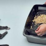Sifting litter box for pine pellets